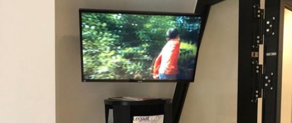 L'étude Boone et De Jeager a équipé sa salle d'attente d'un écran d'affichage dynamique