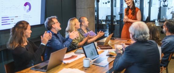 Augmenter l'engagement de ses employés  grâce à l'affichage dynamique