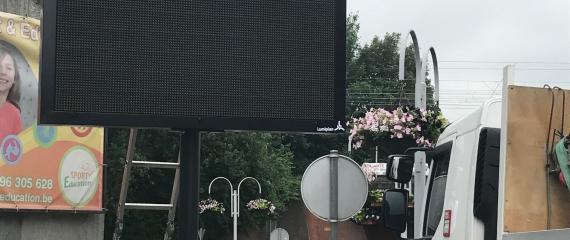 Installation d'écrans alphanumériques à la Commune de Tubize