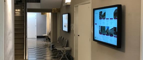 2 écrans tactiles 55'' à la Maison des notaires de Namur