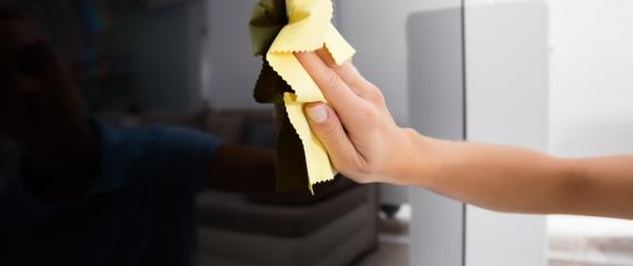 Nettoyage de vos écrans tactiles (bornes, totems, pupitres, ...)