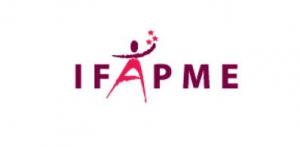 Un système de gestion de file d'attente avec écrans, bornes et tickets pour l'IFAPME de Charleroi - Expansion TV affichage dynamique digital signage - Références